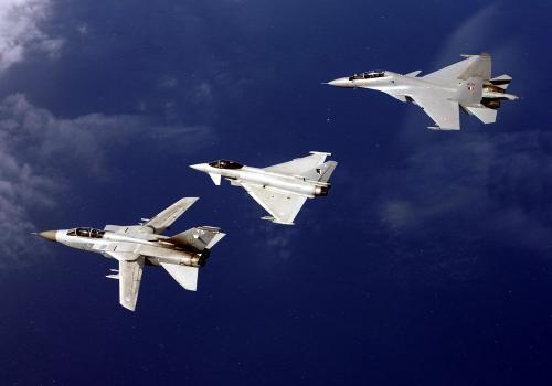 Σμήνος Su-30 MKI, Eurofighter και Tornado κατα τη διάρκεια της Άσκησης Indradhanush 2007 που πραγματοποιήθηκε στην Αγγλία