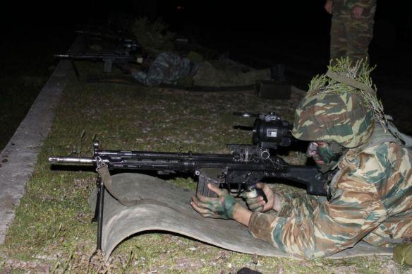 Θυμίζει λίγο αντίστοιχες βολές στον ΕΣ με HK11 και ECON OPTICS.