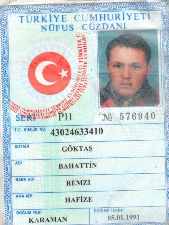 Στη φωτογραφία η ταυτότητα ενός Τούρκου πολίτη ο οποίος πολεμούσε στο πλευρό των αντικαθεστωτικών του FSA και βρέθηκε νεκρός μέσα στη Συρία