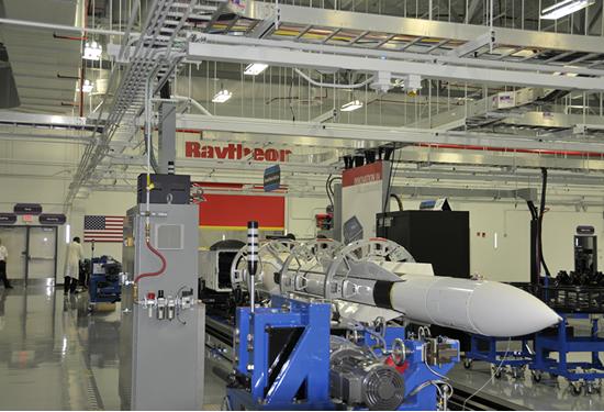 Ο πυραυλος SM-6 περνάει από την φάση παραγωγής χαμηλού ρυθμού σε μαζική παραγωγή