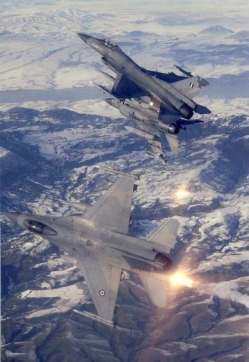 Τριάδα ελληνικών F-16 (@ Βουλα Κουρτίδου)