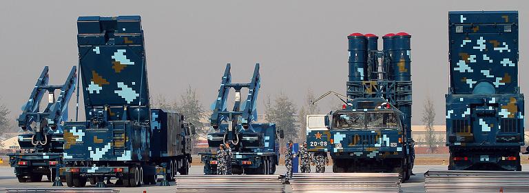 Το κινέζικο αντιαεροπορικό σύστημα HQ-9 συνδυάζει τεχνολογίες των πυραύλων του ρωσικού S-300 με το ραντάρ των αμερικανικών Patriot PAC-2