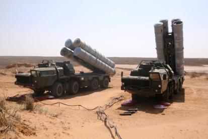 """Tο σύστημα S-300 PMU-2 αποτελεί την """"σκληρή"""" έκδοση της οικογένειας S-300."""
