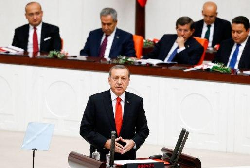 Η Τουρκική Εθνοσυνέλευση έδωσε το πράσινο φως για χερσαία επέμβαση στη Συρία με πολλές όμως προυποθέσεις