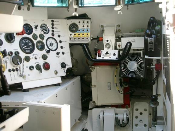 LAND_M113AS_Drivers_Seat_lg